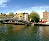 Dublin-Hapenny-Bridge-by-Maurice-800x320